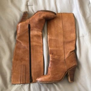Shoes - Women's brown leather boots with heel